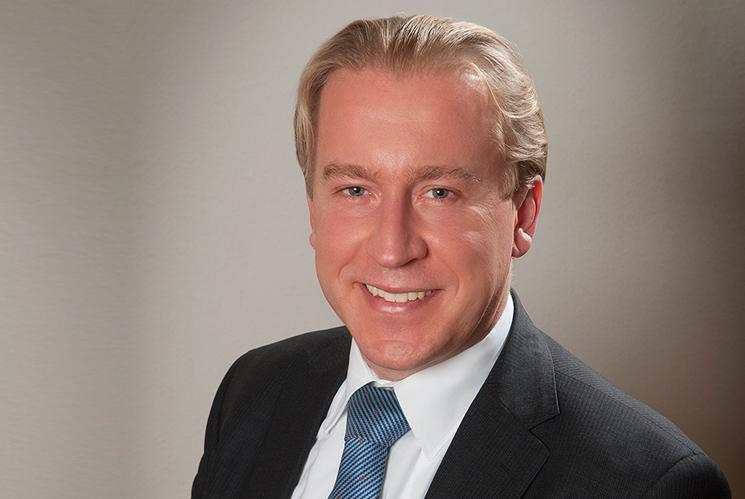 Mr. Jelle P. Folkertsma
